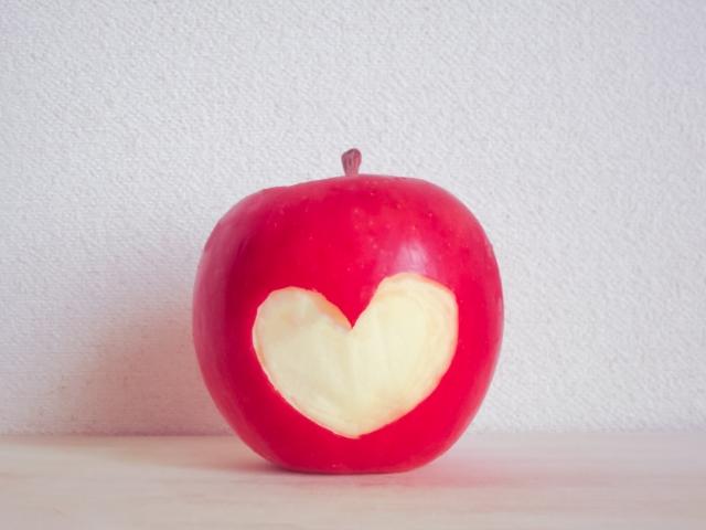 恋が叶うりんごの待ち受け画像